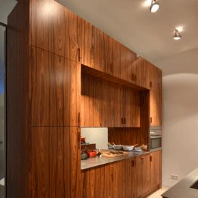 Keuken met kookeiland pallisander
